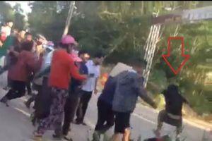 Hà Tĩnh: Phản đối bãi rác, người dân bị nhóm thanh niên 'lạ' bịt mặt tấn công