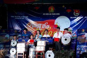 Trung ương Đoàn tặng quà Trung thu cho thiếu nhi Vĩnh Long