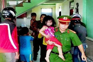 Đánh vợ nhập viện rồi nhốt 3 con nhỏ phóng hỏa đốt nhà