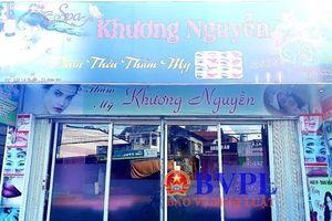 Ép khách hàng… viết giấy nợ 30 triệu đồng, bà chủ 9x 'tiệm làm đẹp Spa Khương Nguyễn' bị khởi tố, bắt tạm giam