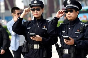 Trung Quốc: Cảnh sát được trang bị kính nhận diện tội phạm