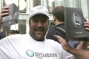 Đây là người mua iPhone đầu tiên trong lịch sử, câu chuyện đằng sau sẽ khiến bạn cười ngất