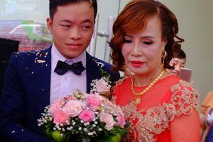Bị người phụ nữ lớn tiếng mắng nhiếc ngay tại đám cưới, cô dâu 61 tuổi nói gì?