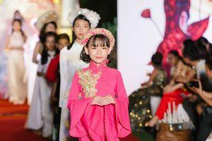 Dàn tài năng nhí cực yêu trong Đêm hội trăng rằm Việt - Hàn