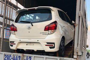 'Hàng nóng' xe giá rẻ Toyota Wigo lộ diện trên phố