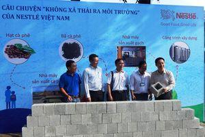 Nestlé hỗ trợ xây dựng công trình trường học bằng gạch từ sản xuất cà phê