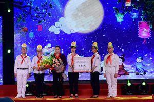 Chủ tịch Quốc hội Nguyễn Thị Kim Ngân tham dự 'Đêm hội Trăng rằm năm 2018'