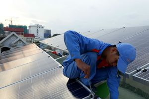 Hỗ trợ dịch vụ tài chính, bảo hiểm sản lượng điện mặt trời