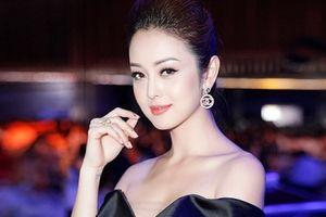 Jennifer Phạm gợi cảm với váy trễ vai