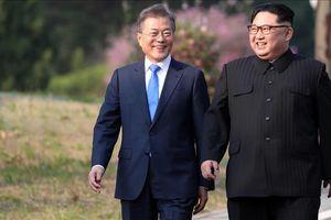 Lãnh đạo Hàn Quốc và Triều Tiên đang viết lại lịch sử chia rẽ dân tộc