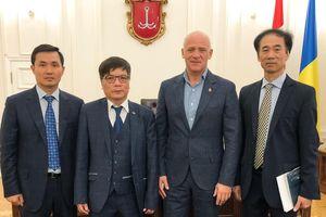 Hội Người Việt Nam tại Odessa không ngừng hợp tác chặt chẽ với chính quyền thành phố