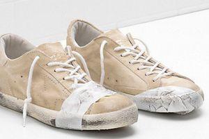 Đôi giày bẩn, rách rưới giá 12 triệu đồng gây tranh cãi