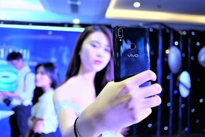 Trải nghiệm Vivo V11 tại Việt Nam