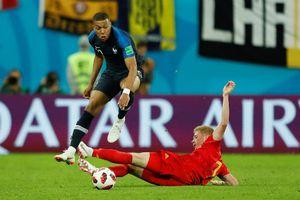 Lần đầu tiên trong lịch sử hai đội cùng giữ đỉnh bảng FIFA