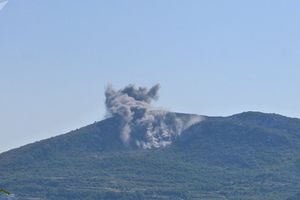 Syria trút hỏa lực san phẳng sào huyệt khủng bố
