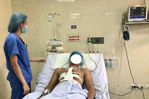 Một bệnh nhân bị đâm thấu tim thoát cửa tử