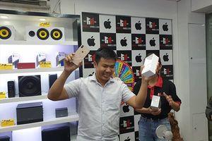 Các chuỗi bán lẻ nhanh chóng đưa iPhone 2018 về Việt Nam bán giá cao