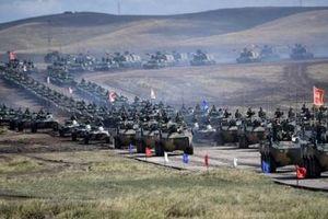 Mỹ trừng phạt Nga-Trung Quốc, các nước khác còn dám mua S-400?