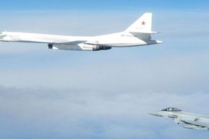 Tiêm kích Anh - Pháp xuất kích chặn máy bay Nga vì 'hỏi mà không trả lời'