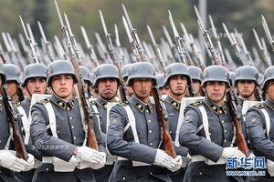 Kỳ lạ nguồn gốc quân phục lạ của Quân đội Chile