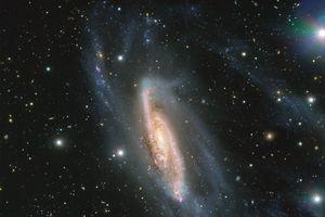 'Ngọc vũ trụ' phổ biến thiên văn học