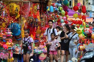 Lung linh 'phố đèn' lớn nhất Hà Nội