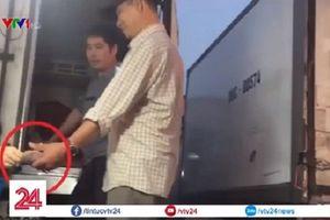 Chủ tịch Hà Nội yêu cầu làm rõ hoạt động 'bảo kê' tại chợ Long Biên