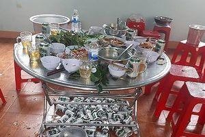 Đắk Lắk: Cảnh cáo chủ tịch xã vụ ăn nhậu trong giờ hành chính