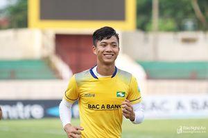 Thủ môn Vũ Hải, Phan Văn Đức tập luyện trở lại trước trận Thanh Hóa