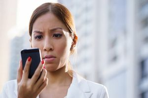 Không trả lời tin nhắn ngoài giờ của sếp, nữ nhân viên nhận cái kết đắng