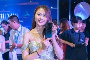 Ra mắt Vivo V11 và V11i tại Việt Nam: cảm biến vân tay trên màn hình, giá từ 7,7 triệu đồng