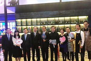 Giao lưu thương mại giữa Việt Nam và Hồng Kông