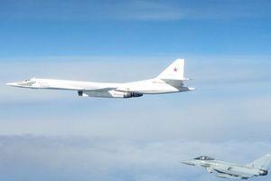 Chiến đấu cơ Anh chặn máy bay Nga vì định xâm nhập không phận?