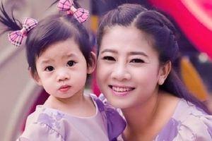 Nhờ các 'mạnh thường quân' Mai Phương mở sổ tiết kiệm 500 triệu cho con gái