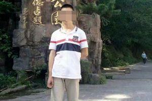 Bị phạt nhảy cóc lên con dốc cao 20m, nam sinh bất tỉnh rồi tử vong