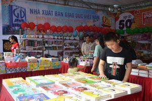 Bộ Giáo dục kiểm tra việc xuất bản SGK của NXB Giáo dục Việt Nam