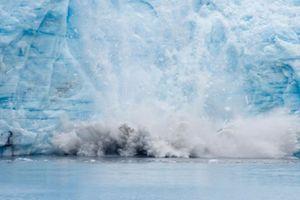 Biến đổi khí hậu khiến khối băng rộng bằng 60 lần nước Anh có thể tan chảy
