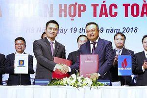 Petrolimex hợp tác toàn diện với Petro Vietnam