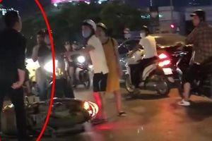 Va chạm giao thông, người phụ nữ mang thai 8 tháng bị đẩy ngã