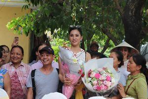 Người Hội An vui mừng đón hoa hậu Trần Tiểu Vy