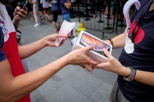 Mua iPhone XS - người Việt làm việc 5 tháng, Thụy Sĩ 5 ngày