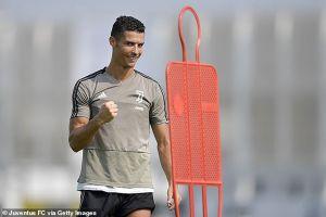 Ronaldo tươi tỉnh trở lại sau màn khóc lóc ở Champions League