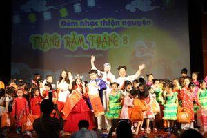 Rạp Kim Đồng 'thất thủ' với đêm nhạc thiện nguyện 'Trăng rằm tháng Tám'