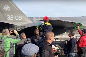 F-35 của Italia 'mất' khả năng tàng hình vì đám đông hiếu kỳ