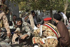 Khủng bố xả súng vào lễ diễu binh ở Iran, hàng chục người thương vong