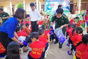 Trung thu yêu thương cho trẻ em ở khu vực biên giới, ven biển