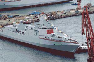Châu Á liên tiếp hạ thủy tàu chiến khủng