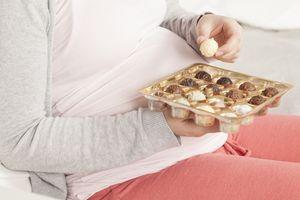 Mẹ đường huyết cao, coi chừng con bị béo phì