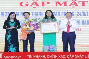 Văn phòng HĐND tỉnh Hà Tĩnh đón Huân chương Lao động hạng Nhì