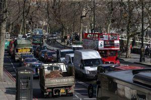 Nếu Brexit không thành, ngành ô tô Anh sẽ chịu tổn thất nặng nề